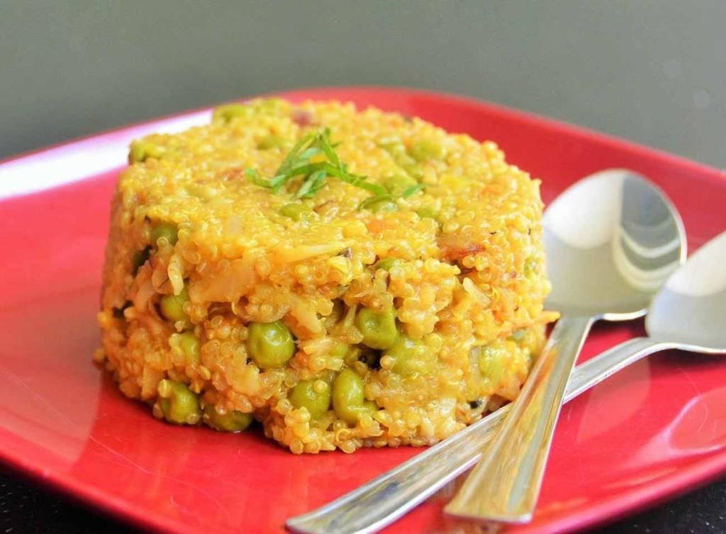 Spicy_Quinoa_and_Oats_Upma_Recipe-1