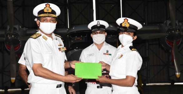 women-navy1